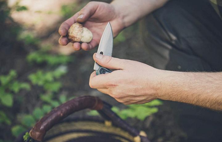 How to Close a Gerber Knife